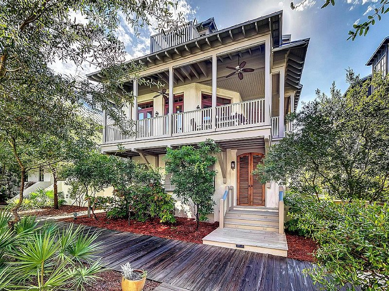 Parley: Spacious 5 Bedroom Home - South of 30A w/ Gulf Views!, holiday rental in Rosemary Beach
