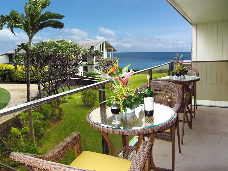 Updated in 2017, Newly Remodeled in 2011 with Ocean View2 Bedrooms, 2 Baths, holiday rental in Poipu