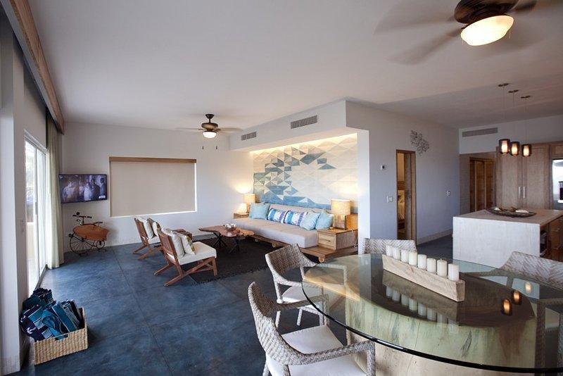 Oceanfront Newly Renovated 3 Bedroom Ground Level Condo, location de vacances à San Jose Del Cabo