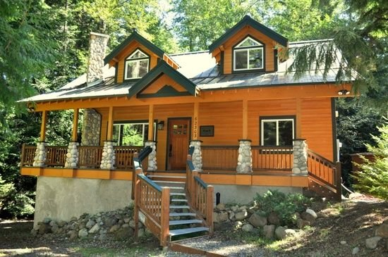 Luxury Mountain Home - Crystal Mountain Ski Resort and Mount Rainier, Hot Tub, holiday rental in Greenwater