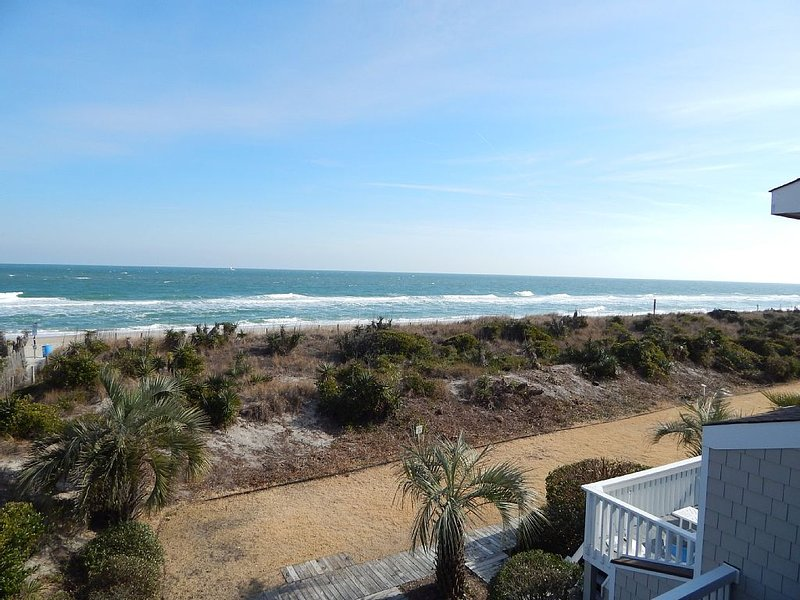 3 Bedroom Ocean Front townhome in the heart of Wrightsville Beach, holiday rental in Wrightsville Beach