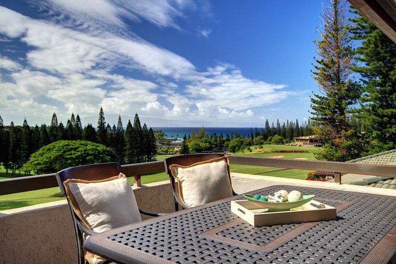 Kapalua Golf Villa Luxuriously Furnished with Breathtaking Ocean Views!, vacation rental in Kapalua