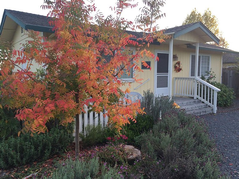 Russian River Valley Wine Country right outside of your door!, holiday rental in Fulton