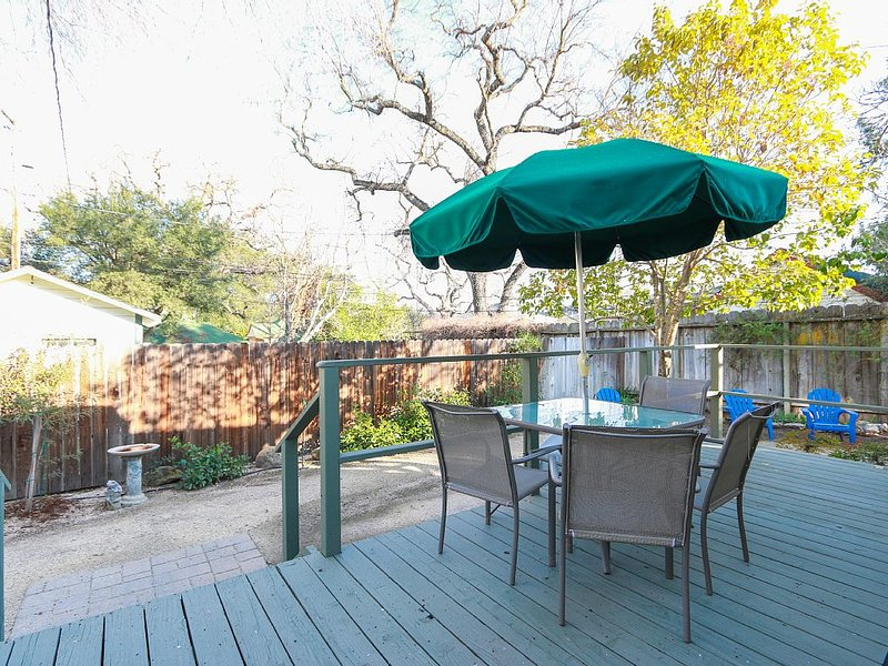 Right in the Heart of Paso Robles on the Desirable West Side., casa vacanza a Paso Robles