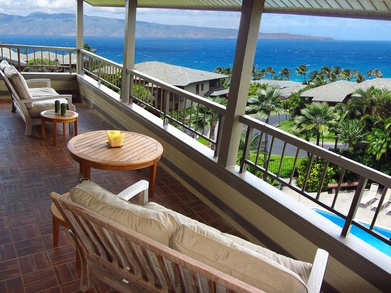 Kapalua Ridge Villa Amazing Panoramic Views of the Pacific!!, alquiler de vacaciones en Kapalua
