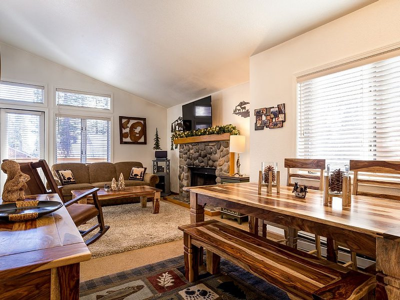 Fantastic! McCloud 1 Bedroom Condo - Minutes From Beaches, Skiing, Hyatt, Golf, alquiler de vacaciones en Lago Tahoe
