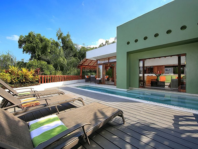 Villa Cherimoya in Sayulita with Private Pool and Easy Walk to Beach & Village, holiday rental in Sayulita