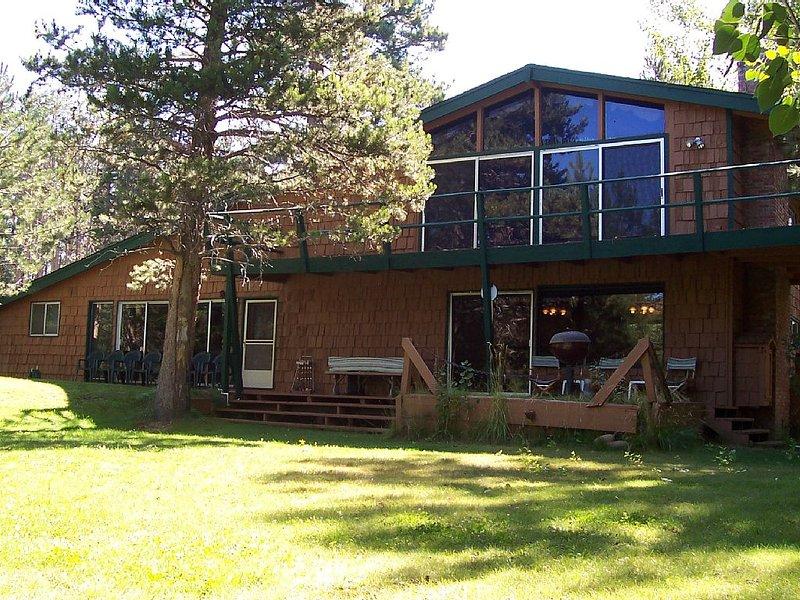 Tahoe Meadows South Lake Tahoe  Sleeps 18, vacation rental in South Lake Tahoe