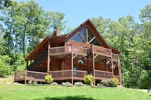 Luxury Mountain View 3 Bedroom Cabin with Hot Tub, Pool Table Wifi Pet Friend, holiday rental in Murphy