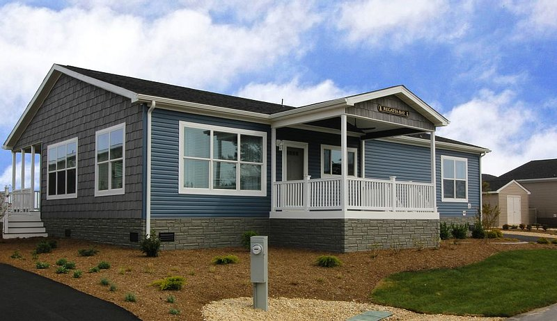 Beach comfort-lovely home steps from waterfront, beach, pools, pet friendly!, vacation rental in Millsboro