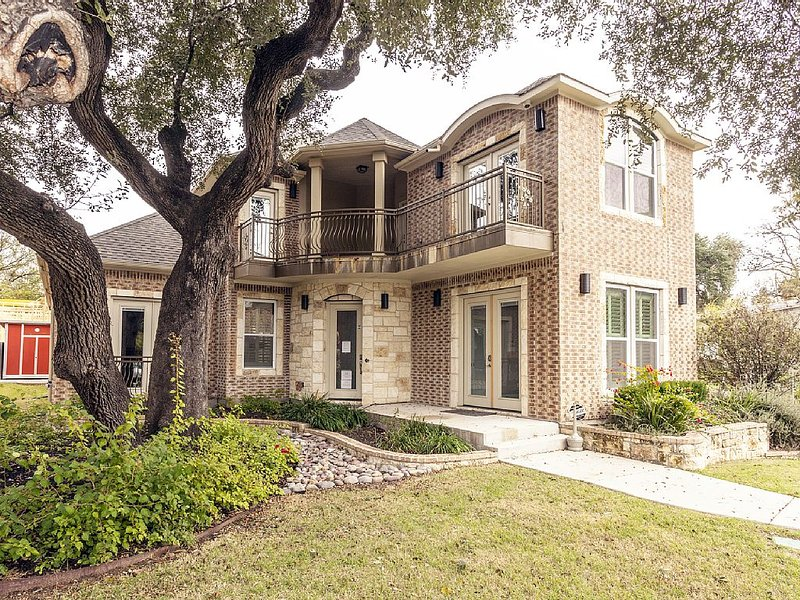 Huge Home in Downtown ATX/Large Groups Welcome/Walk Everywhere!!!, Ferienwohnung in Austin