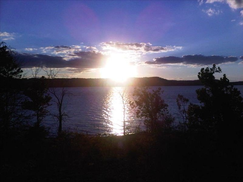 Branson's Finest Lake Front Condo at Emerald Pointe,  2bd, 2BA on ground floor., holiday rental in Hollister