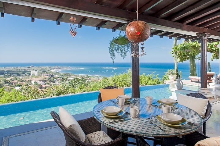 Terrace - Eat breakfast overlooking Tamarindo Bay