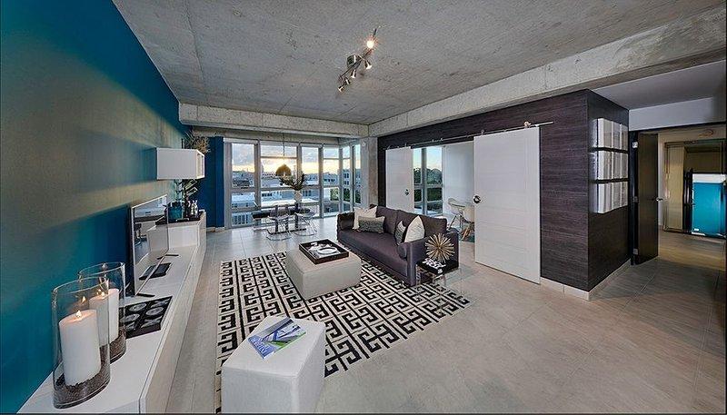 San Juan ModLoft: 2  BR, 2  BA Condominium in San Juan, Sleeps 6, vacation rental in San Juan