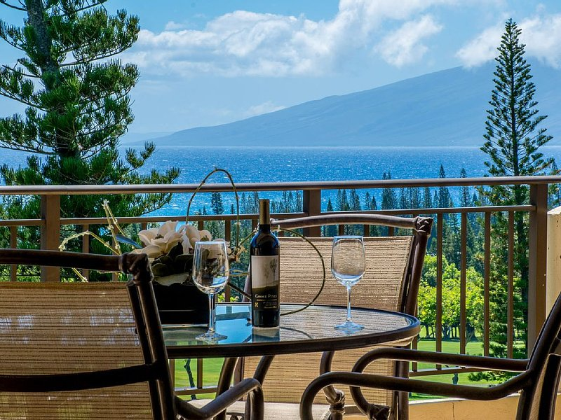 Kapalua Golf Villa Gold! Luxurious is an understatement!, alquiler de vacaciones en Kapalua