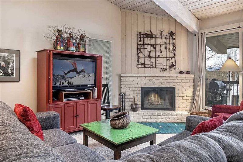 Click to Save 25% on 2BD + Loft , 2BA in Snowmass, vacation rental in Snowmass Village