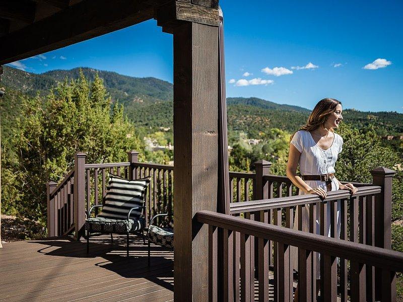 Casa Bisonte -Pueblo style Casa in great eastside location w/ mountain views!, vacation rental in Pecos