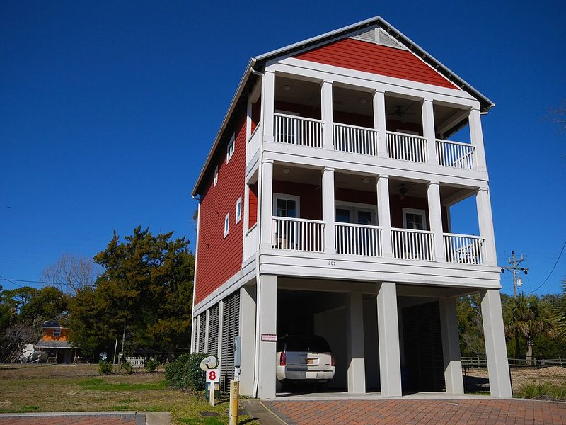 Redfish House- Waterfront home overlooking the Steinhatchee River-2 boat slips, holiday rental in Steinhatchee
