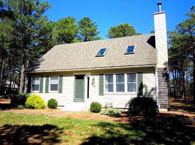 Peaceful, airy, and near the bike trail, vacation rental in Wellfleet