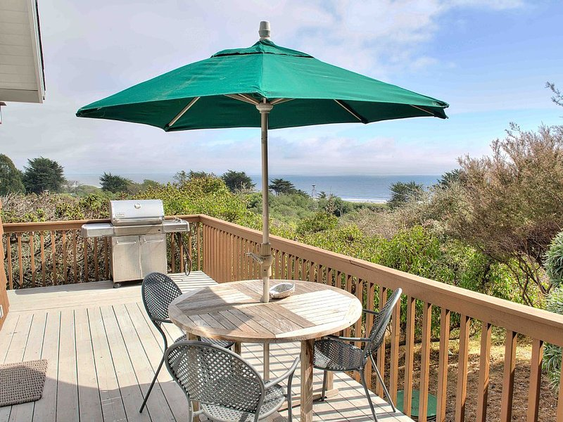 Honeymoon Cottage with Pristine Ocean Views, alquiler de vacaciones en Bolinas