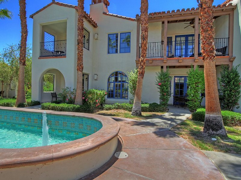 A Downstairs One Bedroom a Short Walk to the Main Pool and Fitness Center!, holiday rental in La Quinta