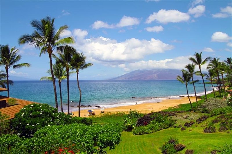 Upgraded Unit w/ Beautiful Ocean Views - Starting * $446/nt - Makena Surf C-103, aluguéis de temporada em Makena