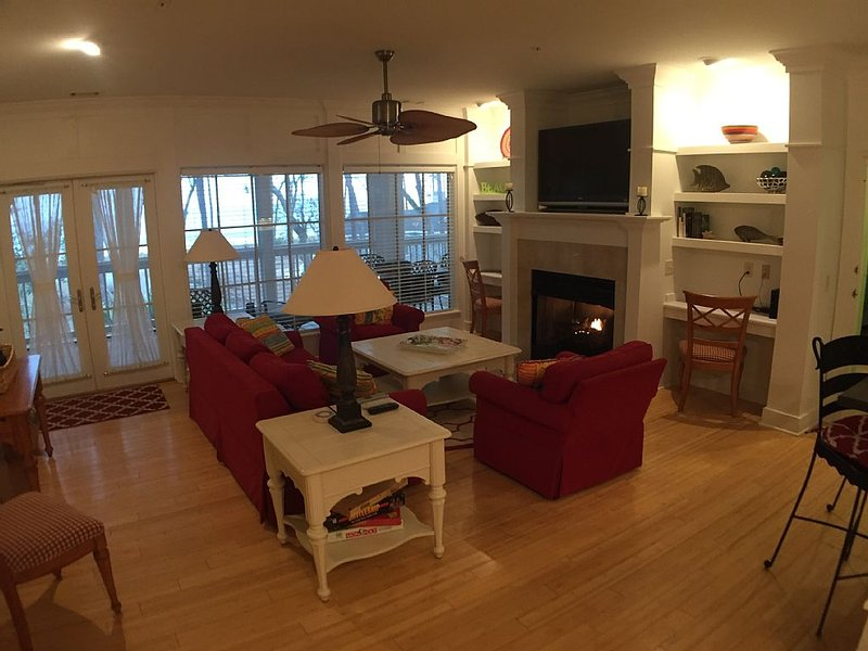 Open Floor Plan With Views To The Screened Porch and Ocean