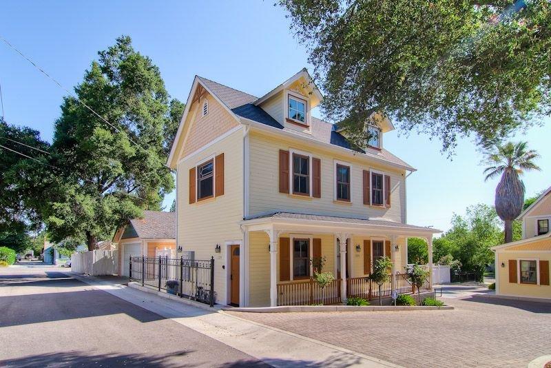 Brand New with  Steps to Downtown Paso Robles, aluguéis de temporada em Paso Robles