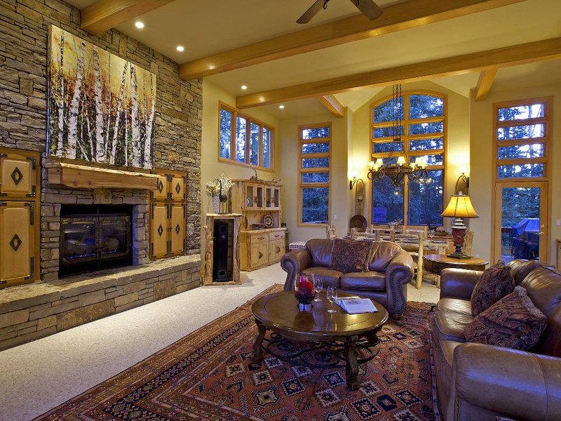 On The Ski Run!  Luxury Telluride Ski Home 5 Br. 5.5 Bath 5000 sq.ft  Ski In/Out, Ferienwohnung in Telluride