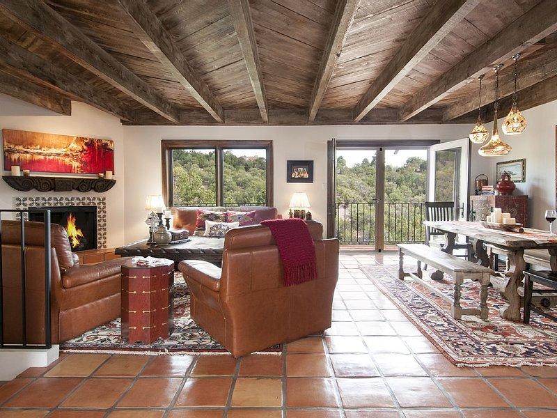 Casa Saiz - Relax in the Santa Fe Hillside, holiday rental in Santa Fe