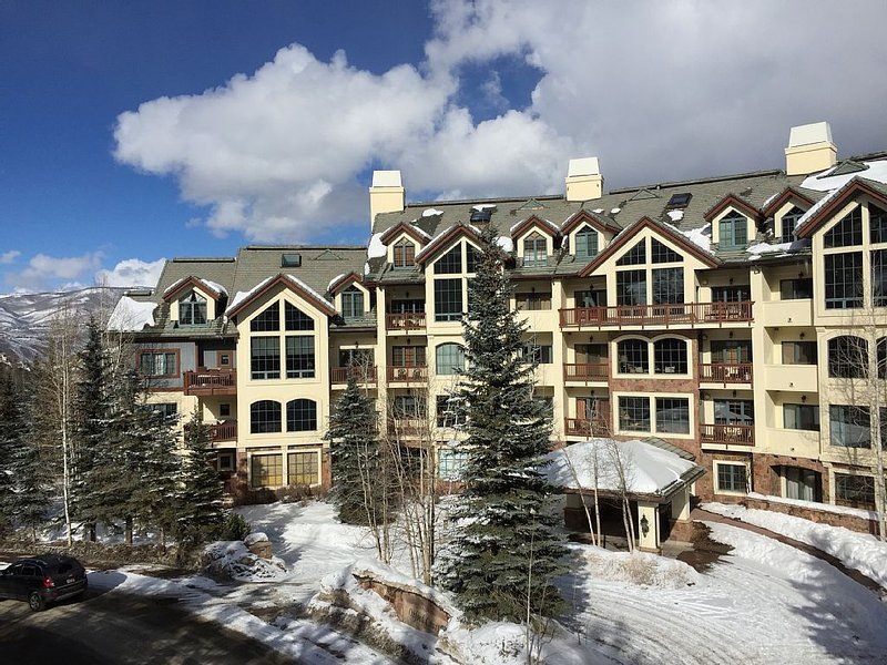 Luxury ski-in/out condo in Beaver Creek Village core.  Walk to everything!, location de vacances à Beaver Creek