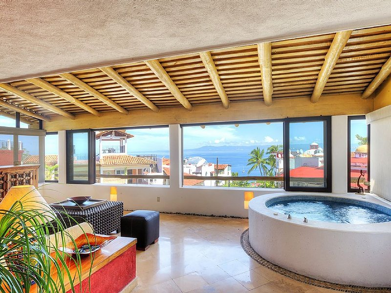 Exquisite Spacious Home in Upscale PV; Short walk to Beach & Downtown!, vacation rental in Puerto Vallarta