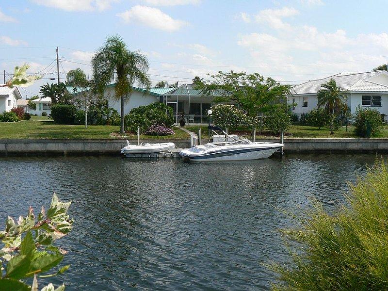 Best Value ! Close to Fisherman's Village.Bikes, Dock, Pool, Summer 99.00/night, location de vacances à Punta Gorda