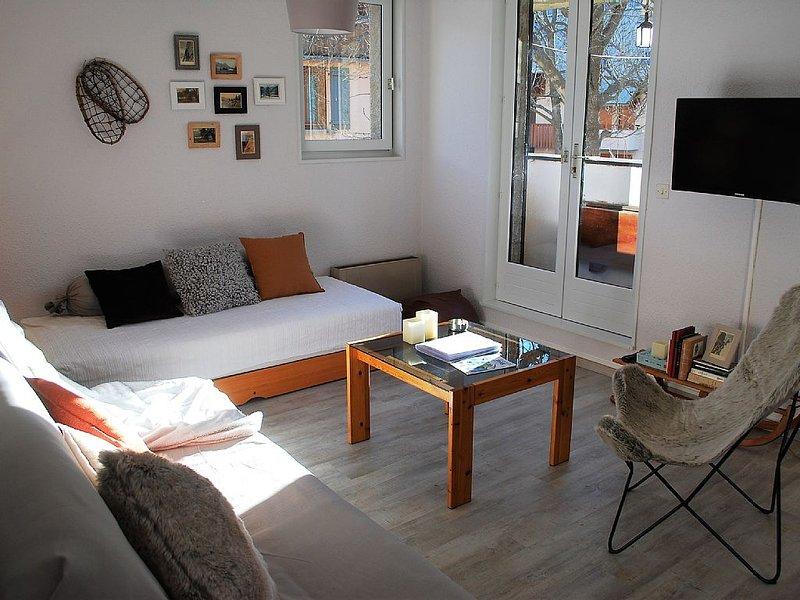 Nice T3 apartment, renovated, with balcony and mountain views, location de vacances à Le Monetier-les-Bains