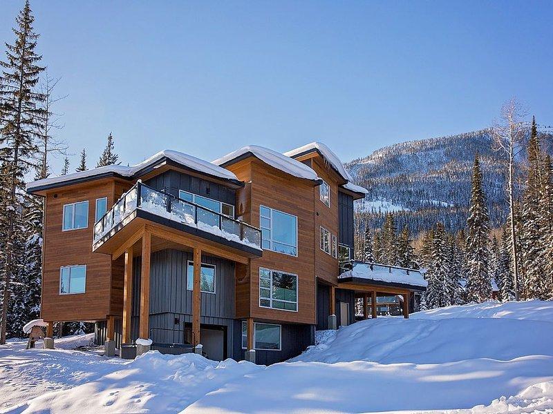Brand New For 2016 - Ski In/ Ski Out Luxury 4Br/3.5Ba Sleeps 10+, location de vacances à Golden