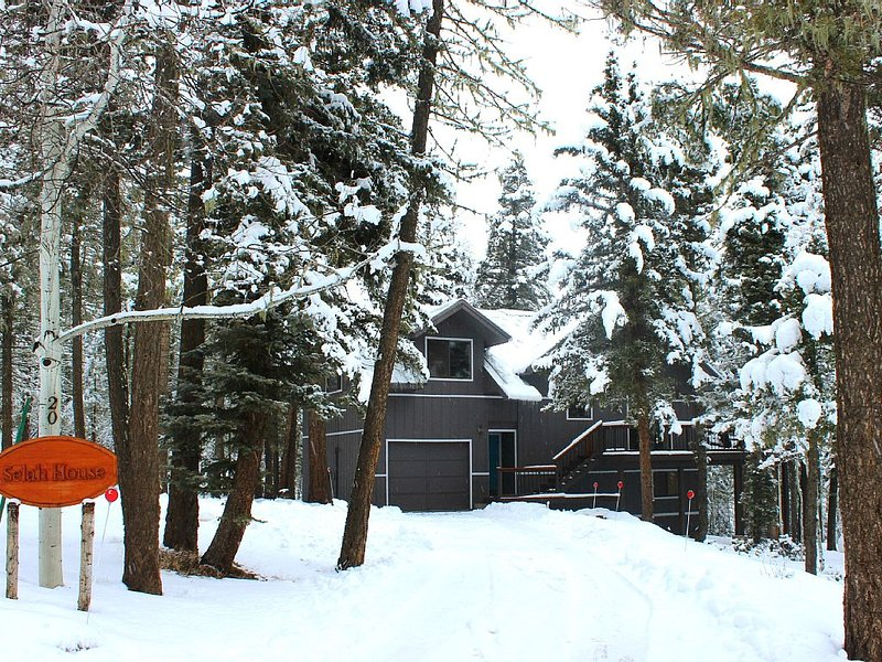 Selah House * Near Lake and Trails, holiday rental in Angel Fire