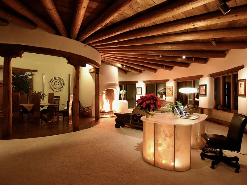 Award Winning Architecture with Amazing Views, holiday rental in Santa Fe