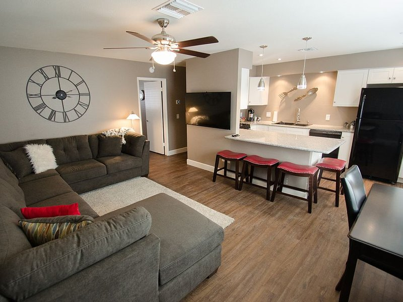 PRESCOTT GETAWAY 1BR SUITE, HISTORIC DOWNTOWN PRESCOTT, SPECTACULAR REMODEL!!!, location de vacances à Prescott Valley
