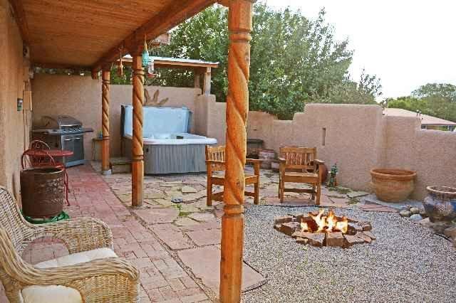 Casa Joya Escondida Taos Town, NM Historic District - Walk to Plaza-1/2 mile, holiday rental in Ranchito
