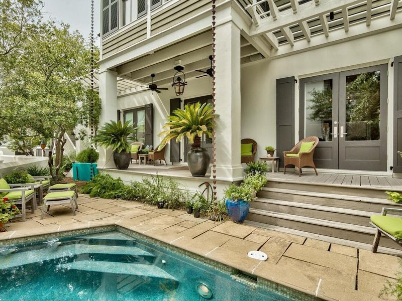 Barbarossa: Beautifully Decorated 4BR Home - South of 30A - Private Pool!, holiday rental in Rosemary Beach