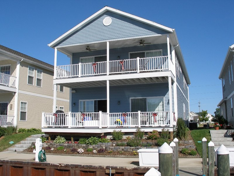Waterfront Large Home on the SJ River, holiday rental in Stevensville