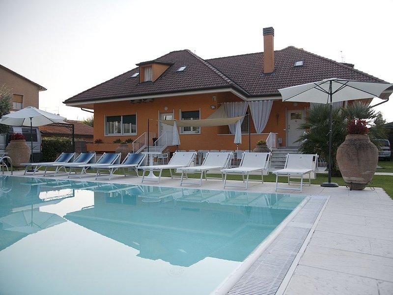 Villa di prestigio con piscina privata,Valpolicella,vicino Lago di Garda, location de vacances à Pescantina
