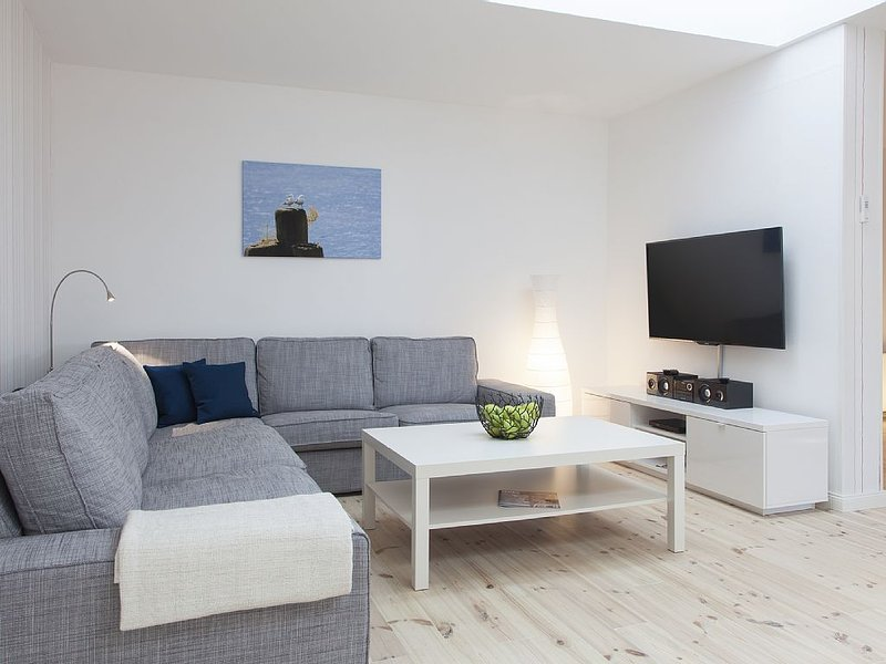 Spacious townhouse apartment in the backyard with balcony, whirlpool, sauna, vacation rental in Flensburg