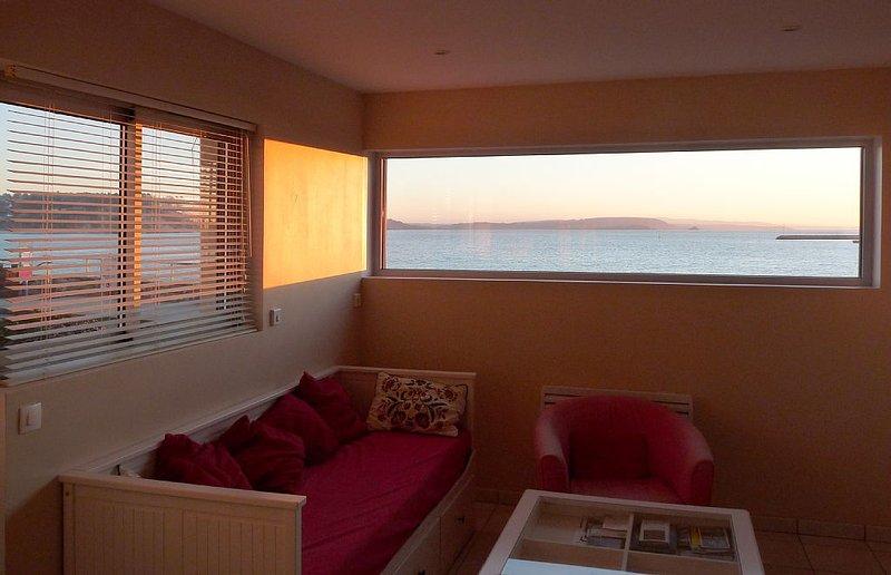 Appartement  vue  mer face à la plage de  Morgat  2/4  personnes, avec garage, holiday rental in Crozon