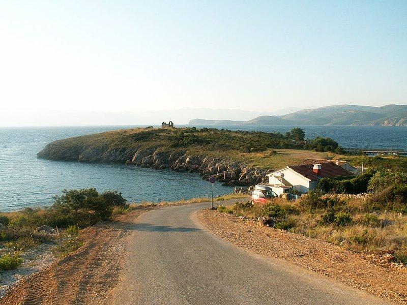 MAISON FRONT DE MER ILE DE KRK, alquiler vacacional en Krk Island