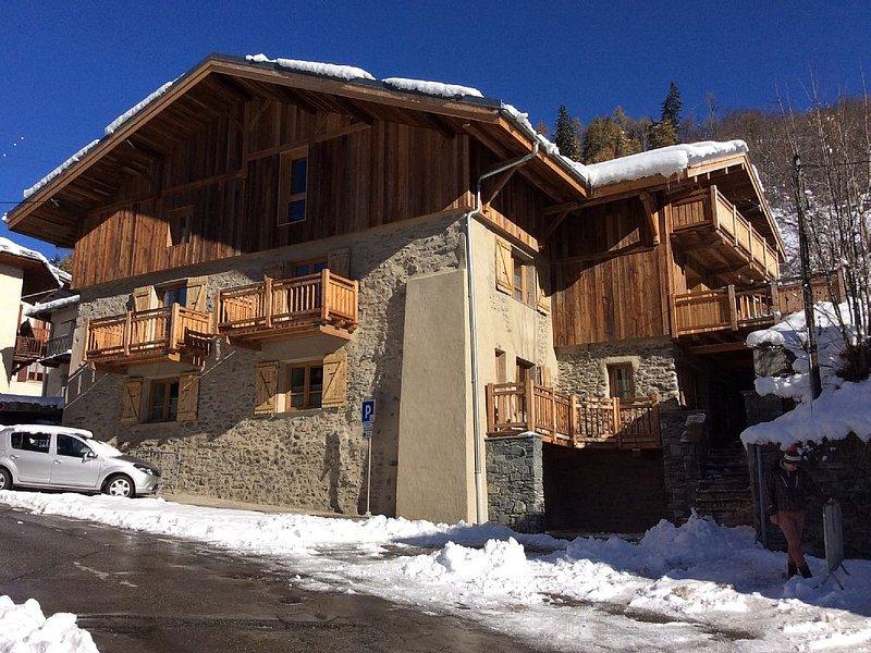 Apt 125 m2 in renovated cottage, 5 minutes walk from the Paradiski ski lifts, casa vacanza a Nancroix