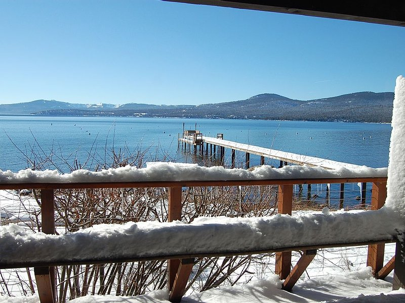 Winter Retreat-Lakefront home-Ski -Northstar, Incline, Views, Amazing Location!, alquiler de vacaciones en Kings Beach