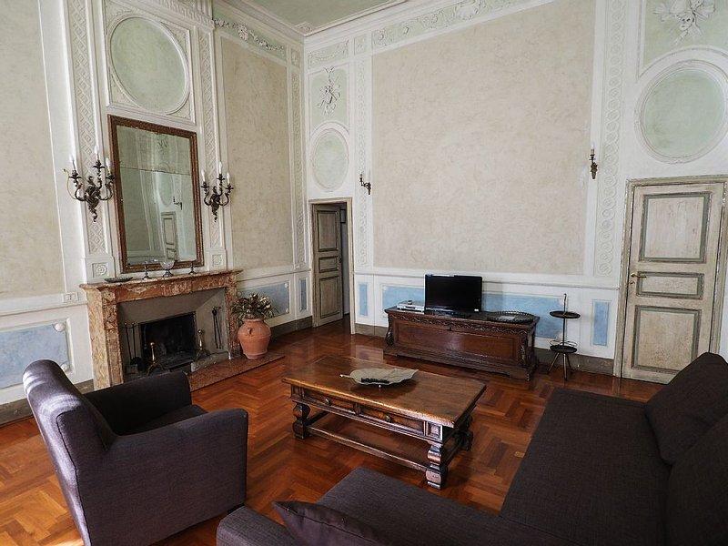 Cavallotti16. Ampio appartamento del '600 nel centro storico di Parma, alquiler vacacional en Parma