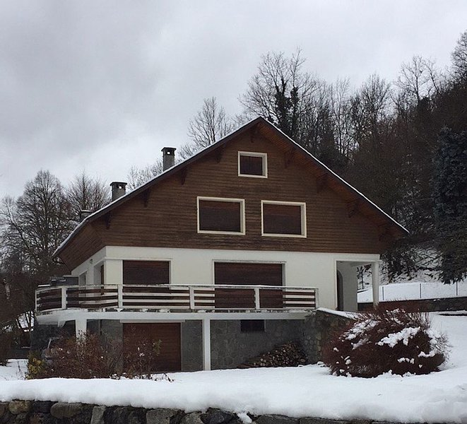 Chalet Louron Valley at the foot of Peyragudes, holiday rental in Gouaux