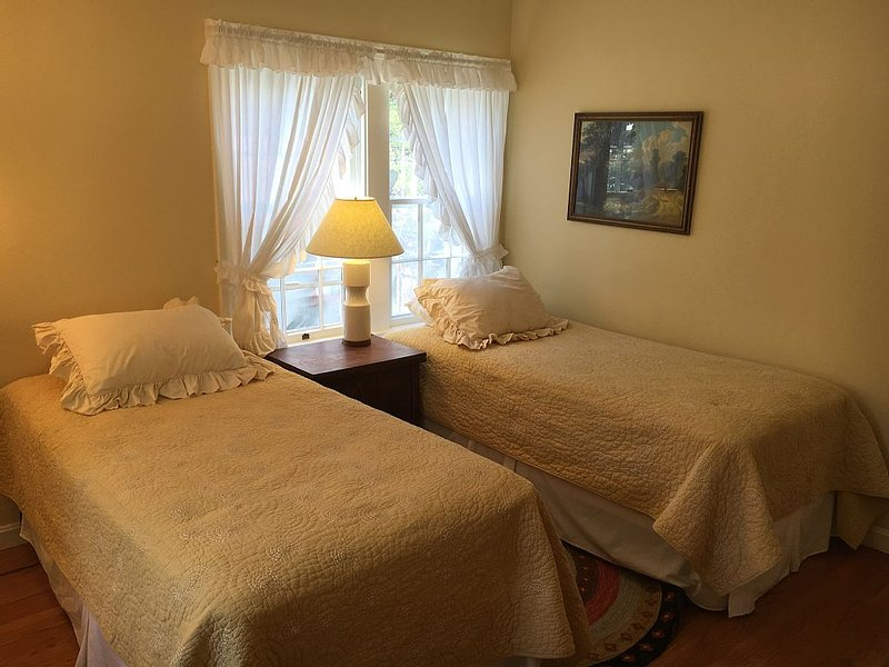 upstairs bedroom #3 with two twin beds